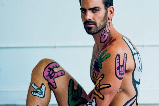 Nyle DiMarco khoe body đầy màu sắc quyến rũ trên tạp chí
