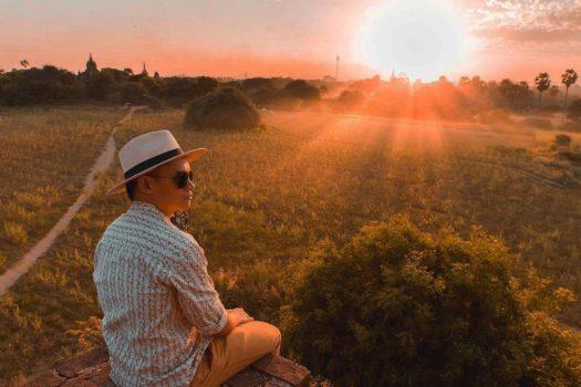 Bagan, Myanmar: Tắm mình trong ánh hoàng hôn trên những ngôi đền cổ